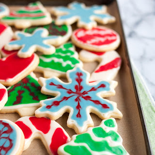 How to Decorate Cookies with Icing.
