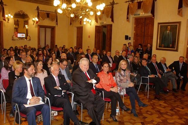 El salón noble de la Delegación de Gobierno de la Junta acogió el acto colegial.
