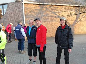 Photo: Er komen ook andere wandelaars bij om ons op de ochtendlijke lus te begeleiden.