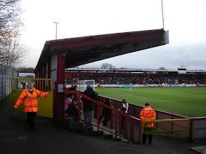 Photo: Broadhall Way heeft 2 staantribunes (achter de goal en op de lange zijde), dat zie je bijna nergens meer.