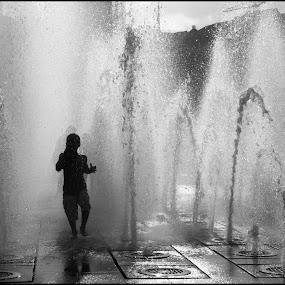 Splashing Fun by Peter Chadburn - People Street & Candids