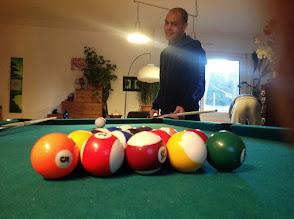 Photo: Rachid, il court mieux qu'il ne joue au billard