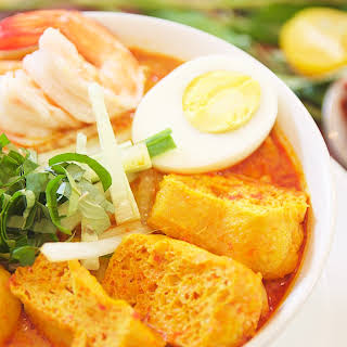 Malaysian Curry Noodles with Coconut Milk.