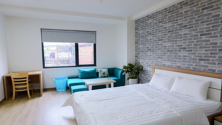 Nice and brand – new studio apartment in Giang Vo street, Dong Da district for rent