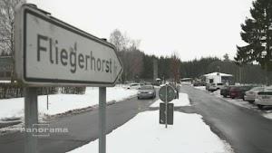 Büchel, Hinweisschild: «Fliegerhorst».