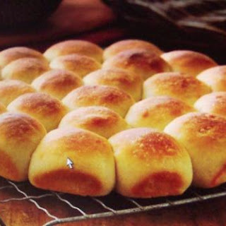 Grandma Lee's Party Rolls