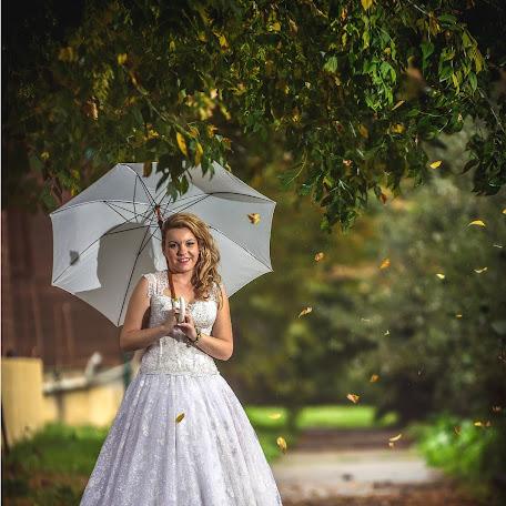 Wedding photographer Sistudio Iliopoulos (sistudioiliopou). Photo of 24.02.2017
