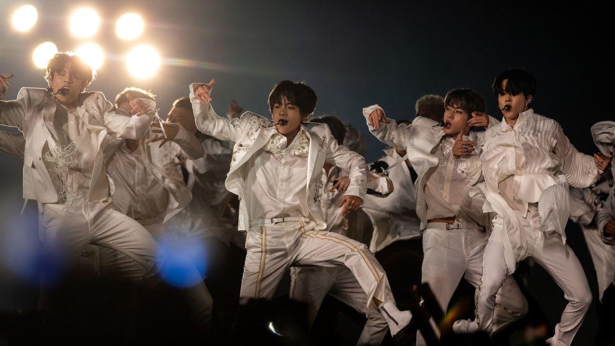 BTS at Rose Bowl