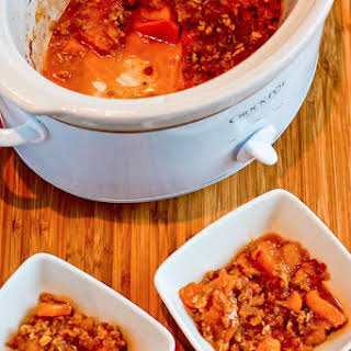 Slow Cooker Recipe for Low-Sugar and Gluten-Free Peach Crisp.