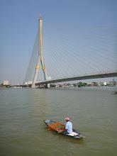Photo: Rybář u mostu, který je pojmenovaný po jednom z thajských panovníků - Ramovi VIII.