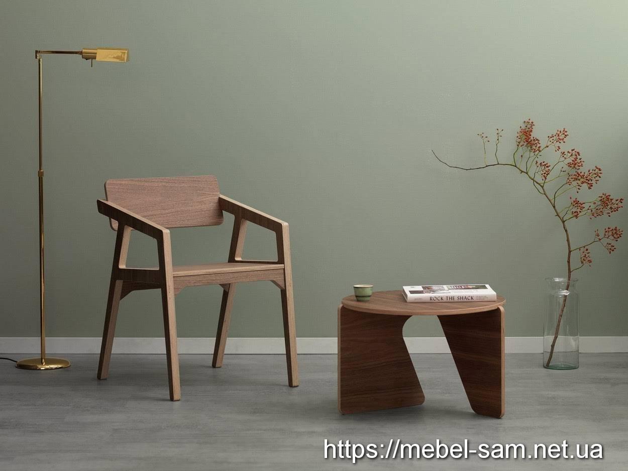 стул с подлокотниками. материал - фанера