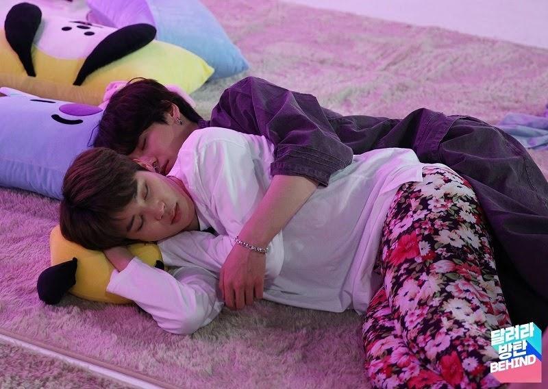 Jikook cuddling behind the scenes of Run BTS