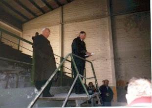 Photo: Der letzte große Tag der Eishalle - vor dem Abbruch: es reden J. Schauhoff und H. Franke