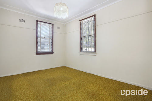 Photo of property at 7 Rees Street, Mays Hill 2145