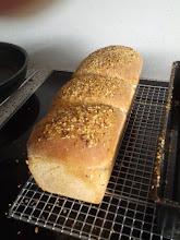 Photo: Spelt-Volkoren brood, 2 strengen in elkaar gedraaid in een broodbus. Leuk effect!