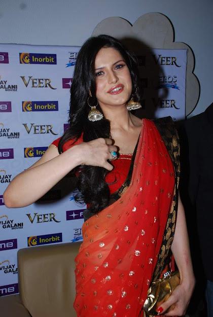 Zareen Khan family, Zareen Khan instagram, Zareen Khan smile,