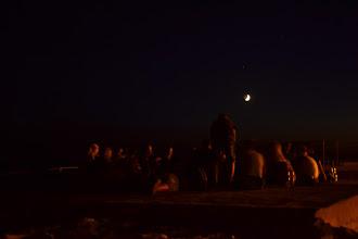 Photo: večerná pařba v mesačnom svite