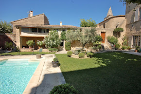 A Luxurious French Villa in a Picturesque Provencal Village in avignon
