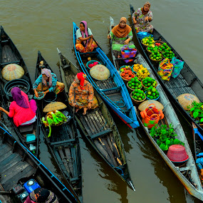 tradisional floating market by Hery Sulistianto - City,  Street & Park  Markets & Shops (  )