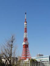 Photo: 2012年04月12日 伸び縮み  音芸、新学期初日 東京タワーは修理のため縮むが 学生の可能性を少しでも伸ばせれば…