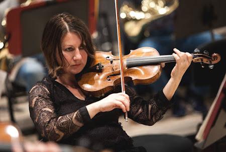 Angelina Abadjieva - violin