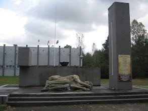 Photo: Bardzo wymowny pomnik