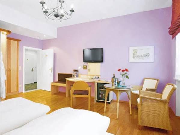 Hotel Münchner Hof und Blauer Turm