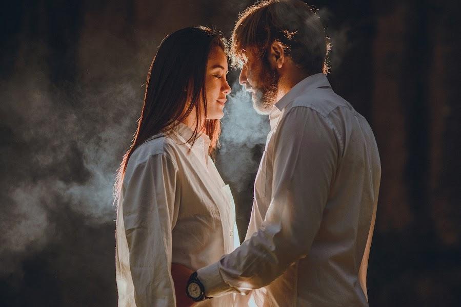 Wedding photographer Valery Garnica (focusmilebodas2). Photo of 19.11.2017