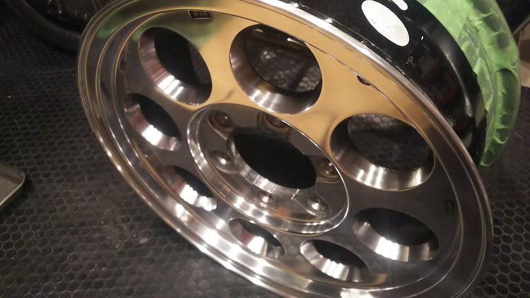 ハイエース TRH112Vの100系ハイエース,ブロック,ホイール,ポリッシュに関するカスタム&メンテナンスの投稿画像3枚目
