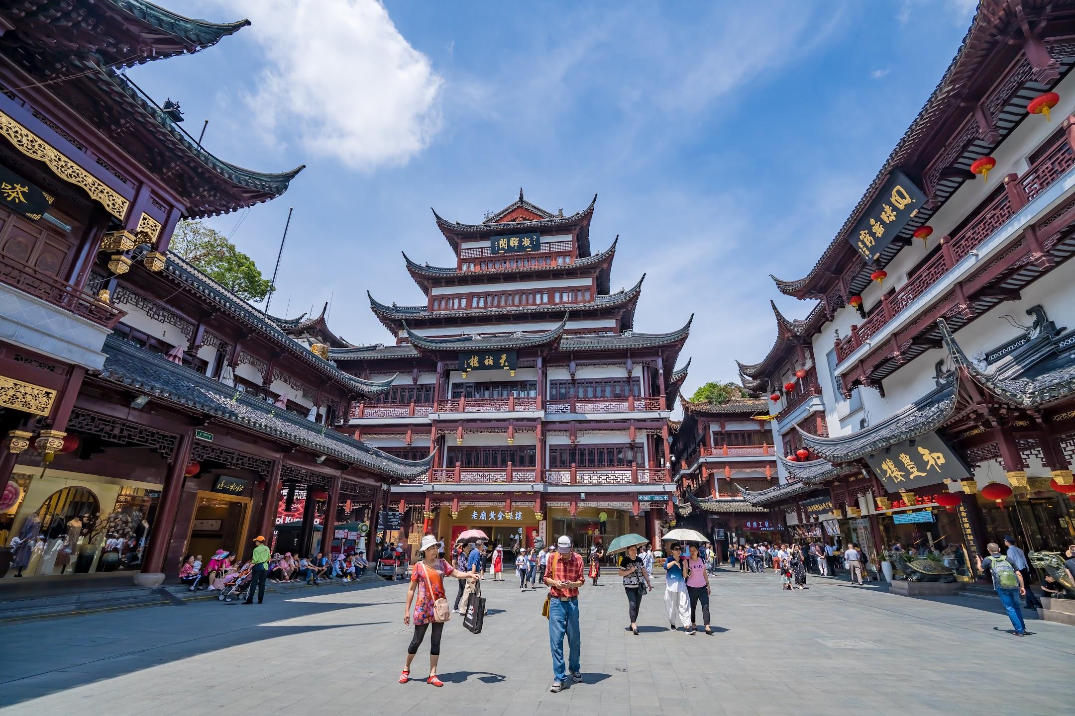 Shanghai Yuyuan Tourist Mart5