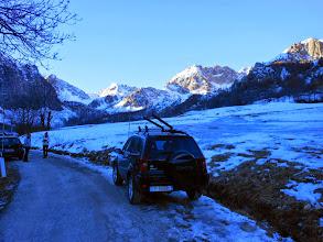 Photo: Lasciato il sentiero,prendiamo la strada che sale a Prato Ciorliero.