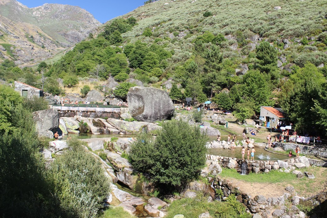 Qualquer coisa como TransEstrelaica (percorrer a Serra da Estrela pelos caminhos menos turísticos e mais deslumbrantes) Hip0GmR5c5nC44CwDhU3Yeq0jLfIKrXE14dwfYpniWW56ewUUX4bS5BgpInaF-iv0AsgmrDGCn45liLkSjRhiM1u0-8iCO6t6lUInRM-YZKeYGrKPl48eRCZ-l68aTTlFLeE1k6oel9HTmN20yNhUAW6iPNwQwQGE5LCztr_hL9EKSgnd3EePw5DDQnOFEzrK9NthRAf-9Er9P5HbeG7GPjfgPy3mvz7xIu66zmUTWZkHODRBVSigiMcyRDHU1wcnPChFrvZEBdSR7lkjMK5Kv9TuCeqZv6c_FXCHDBaWT7dHm1h3N15c4xXFtidGNzMtYFw3tk0JXE4f4sA248FvgaDnA8pQmUHQ2buJ3Cpe1DeOmNSRA7qW5fFJJQ6VVpE9FdNS3re_ZbRERi1MFsaw4dzcszHJU7H4RZFIp6Kh5ked_8d-CTq-S900jn1kW6gpSAe6Sbw2e-DiJKqI3e9vrxdJzdYD48tF6aaxlv3JqRc91jrbwLdscj2dlhLRc7mXVhQG91rR5ASO2dRlzs4lKWksRQsRTv0_lRXPFr6_Rg=w1042-h694-no