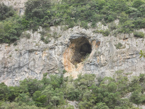 Photo: Jolie grotte sous le Cingle du Puig d'en Roger
