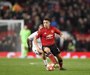 """Gary Neville conseille à United de vendre le """"désastre"""" Alexis Sanchez"""