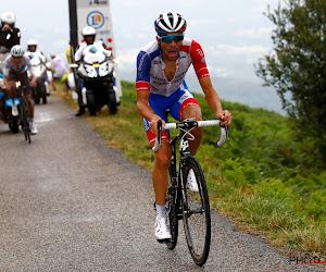 """Keert Thibaut Pinot dit seizoen nog terug in het wielerpeloton? """"Hij staat minstens drie weken aan de kant"""""""