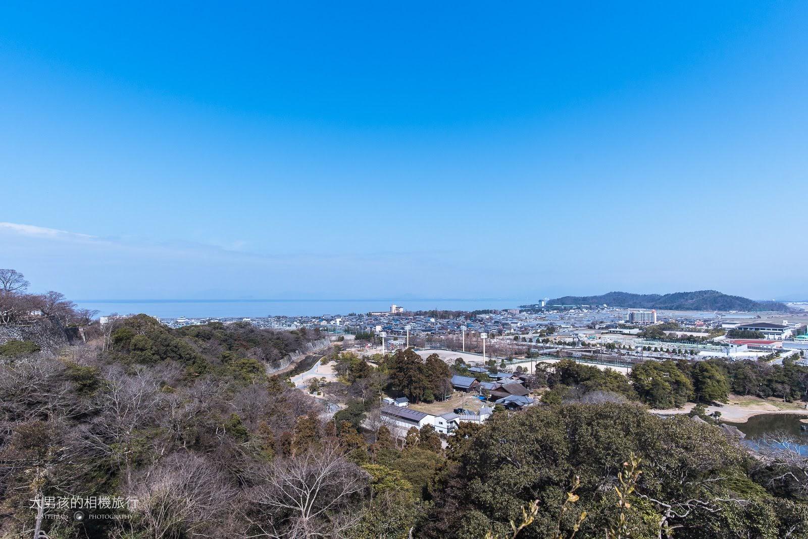 從彥根遠眺琵琶湖,當天的能見度非常好。
