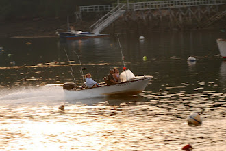 Photo: Power boat in Pemaquid Harbor