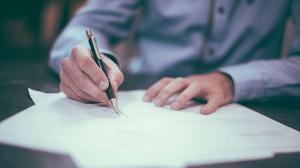 5 Tips Membuat CV ( Curriculum Vitae ) Profesional dan Menarik Untuk Pemula