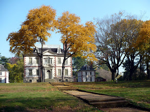 Photo: 2.f. Mount Pleasant. The small houses beside the mansion might have housed guests, servants, or both.