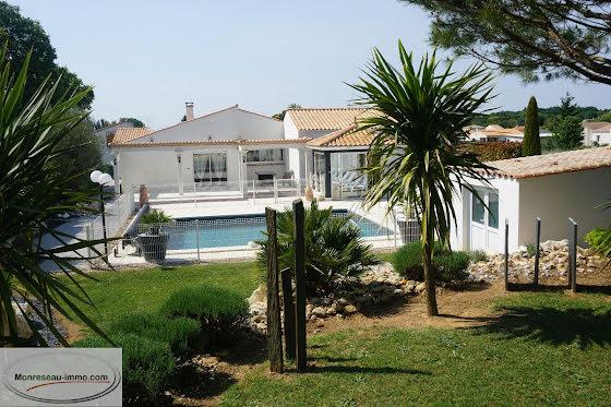 Vente villa 5 pièces 195 m2