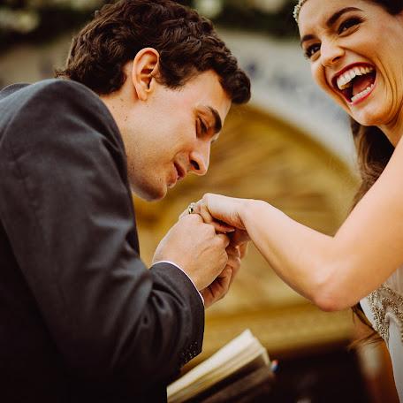 Wedding photographer Carlos Hevia (hevia). Photo of 19.02.2018