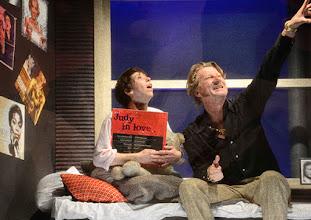 Photo: Wien/ Kammerspiele: AUFSTIEG UND FALL VON LITTLE VOICE von Jim Cartwright. Inszenierung Folke Braband. Premiere 7.5.2015. Eva Mayer, Michael VonAu. Copyright: Barbara Zeininger