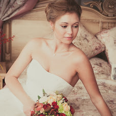 Wedding photographer Elena Nikolaeva (springfoto). Photo of 11.04.2014