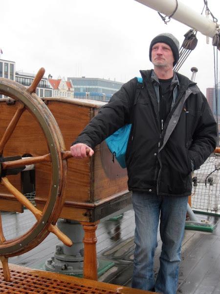 Photo: I say Capt'n - he say wot?