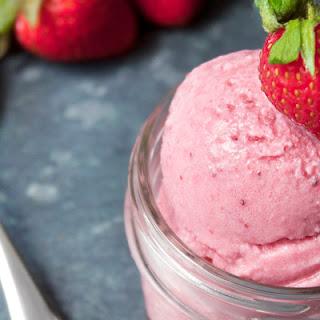 4-Ingredient Vegan Strawberry Ice Cream