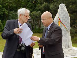 Photo: Kairėje Juozas Valentukevičius, KPDF prezidento pavaduotojas, LAB pavaduotojas tiflotyrai.