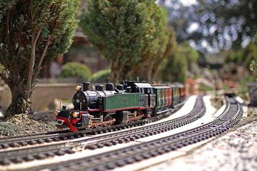 Train miniature sur le parc de loisirs à St Didier