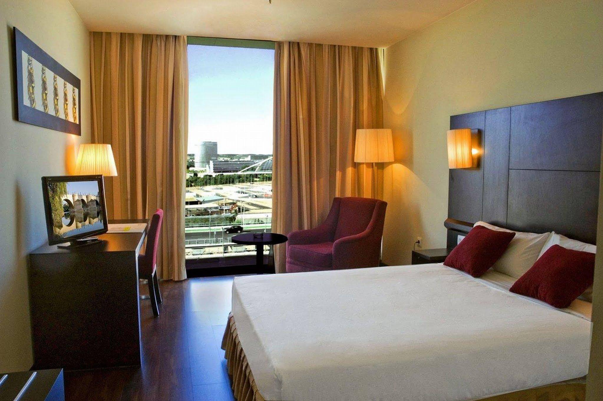 Hotel Husa Puerta de Zaragoza