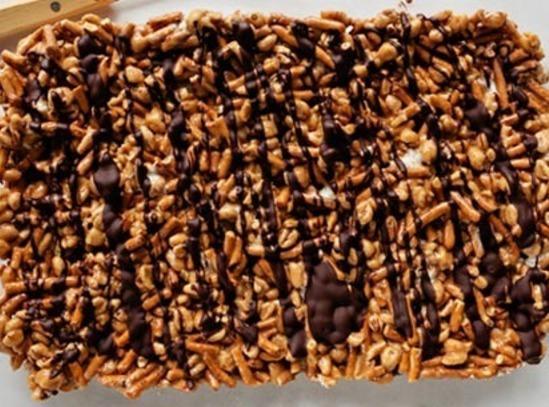 Chocolate Peanut Butter Pretzel Bars Recipe