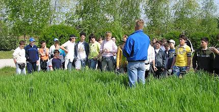 Photo: Nel campo di grano, Donatello racconta la storia del pane